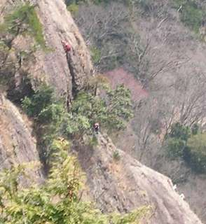 jizo-climbing.jpg